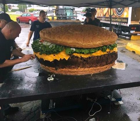 Insane Restaurants in Michigan, Guinness World Record burger, Photo: Mallie's