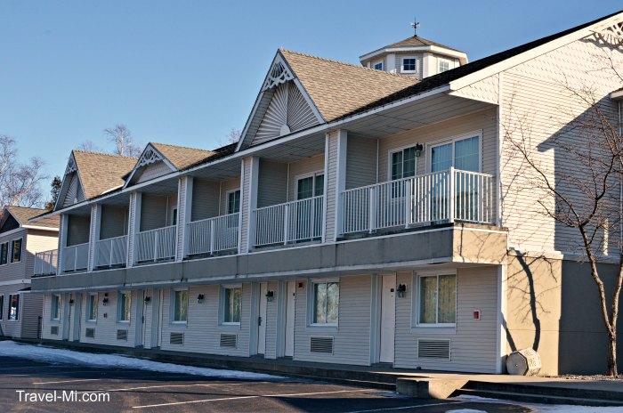 Parkside Inn Mackinaw City