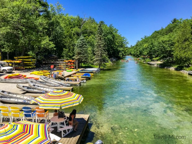 Riverside Canoes and the Platte River. By Travel-Mi.com